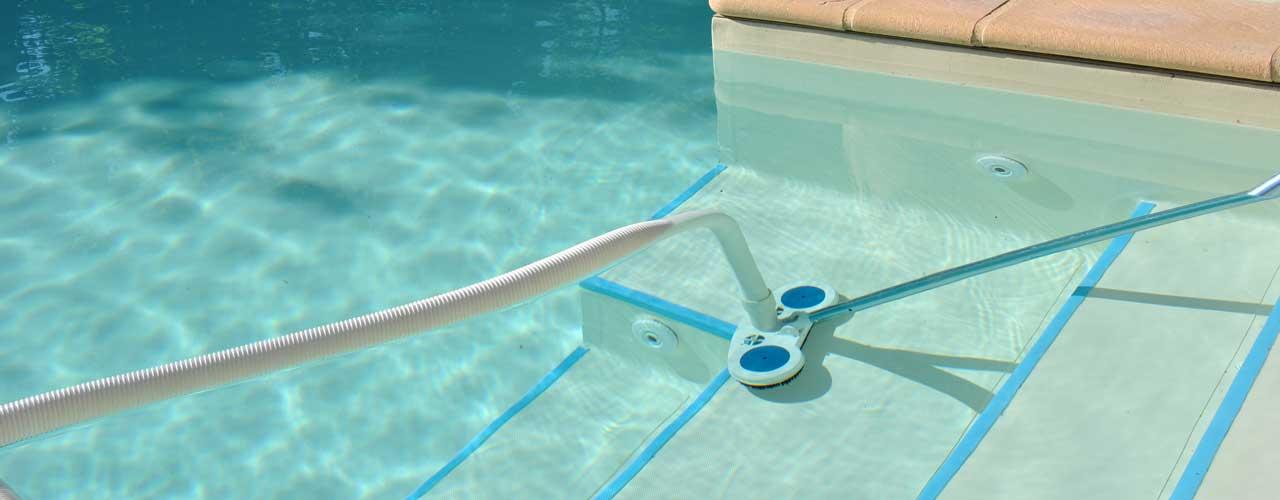 Entretien des piscines / Analyse d'eau dans le Var